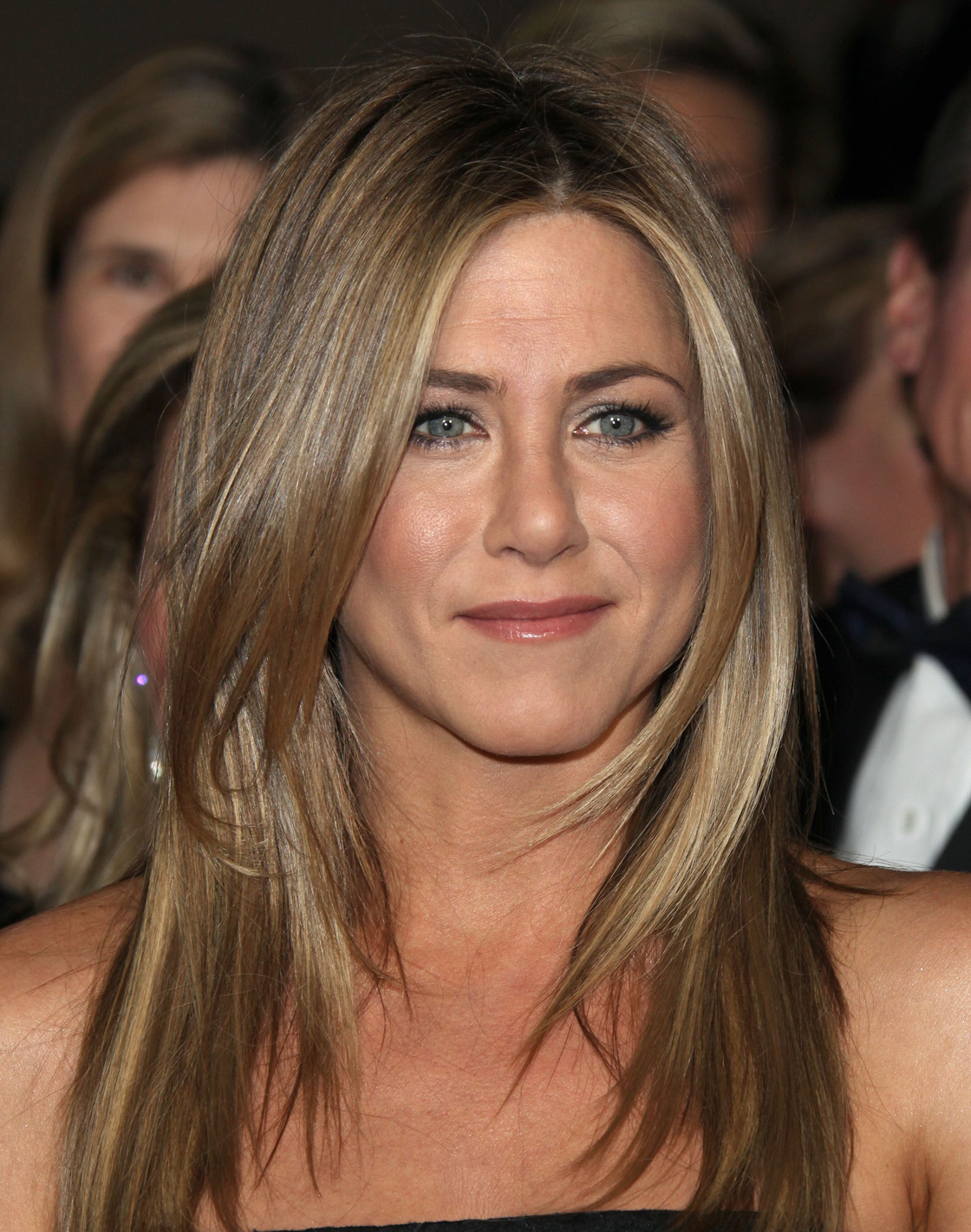 Jennifer-Aniston2 What to Wear on Mothers' Day-17 Cute Mother's Day Outfits
